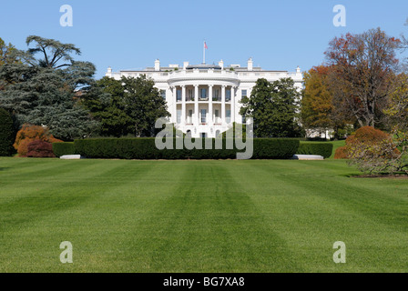 The White House with the South Lawn