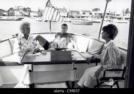 BEA BENADERET with daughter Maggie Bannon Kilfoil and son Jack Bannon.(Credit Image: © Orlando/Globe Photos/ZUMAPRESS.com)