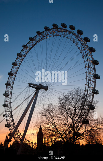 view-of-the-london-eye-at-dusk-with-big-