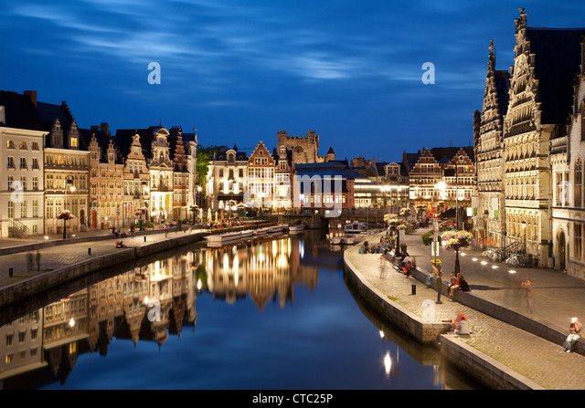 gent-palaces-with-the-canal-in-evening-f
