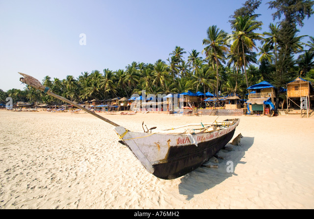 a-traditional-indian-fishing-boat-on-pal