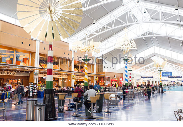 portland-international-airport-concourse