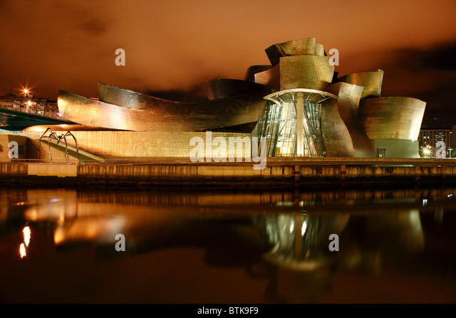 guggenheim-reflections-a-night-time-imag
