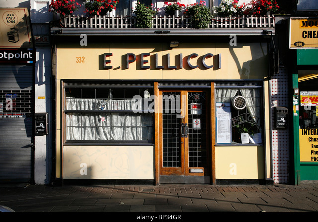 e-pellicci-cafe-on-bethnal-green-road-be