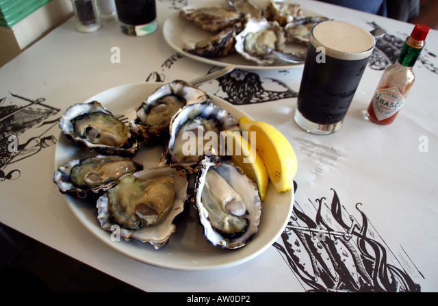 a-plate-of-oysters-and-a-glass-of-guinne