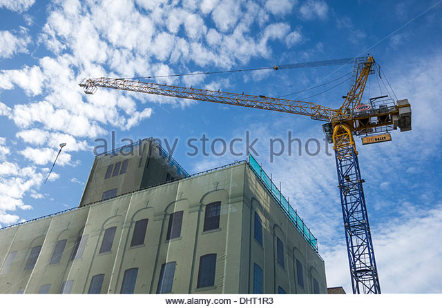 crane-at-the-ceres-building-in-cb1-cambr