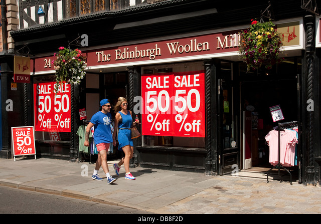 edinburgh-woollen-mill-shop-and-couple-i