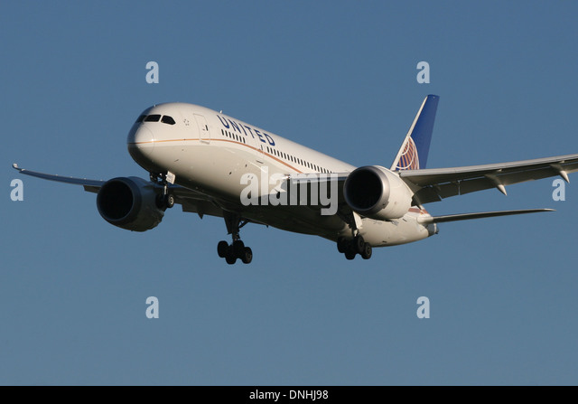 united-airlines-boeing-787-dnhj98.jpg