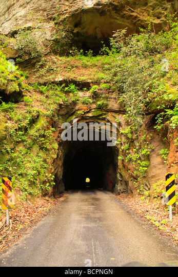 nada-tunnel-red-river-gorge-scenic-byway