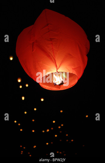 paper-sky-lantern-launching-with-others-
