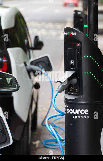 electric-bmw-i3-cars-plugged-into-electr