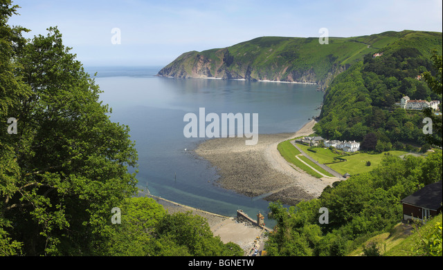 the-rocky-shore-and-headland-at-lynmouth