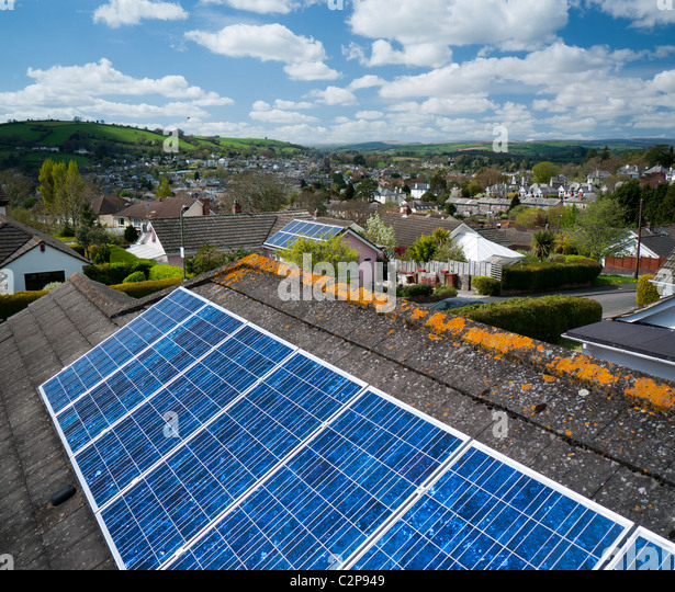 solar-panels-on-the-roof-of-a-house-in-t
