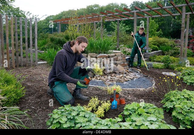 moers-germany-trainee-to-garden-and-land