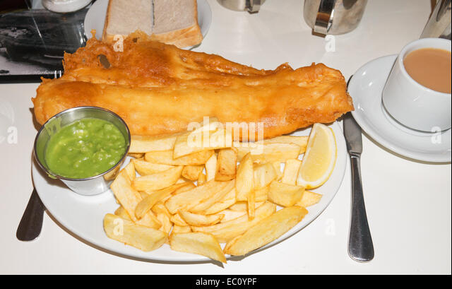 plate-of-fish-and-chips-with-mushy-peas-