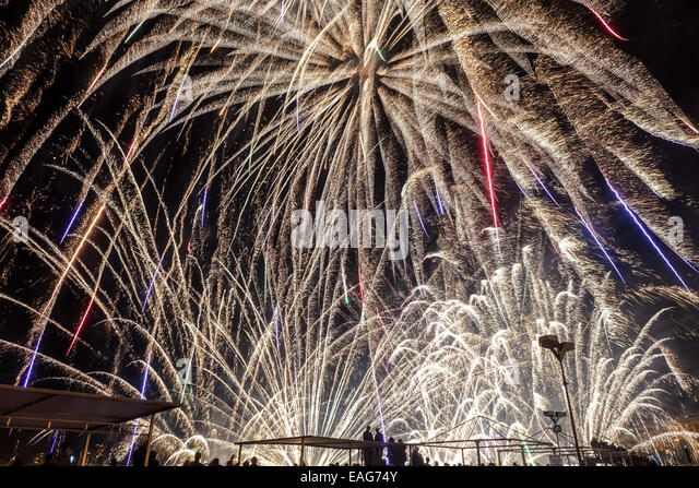 fireworks-fill-the-frame-at-this-massive