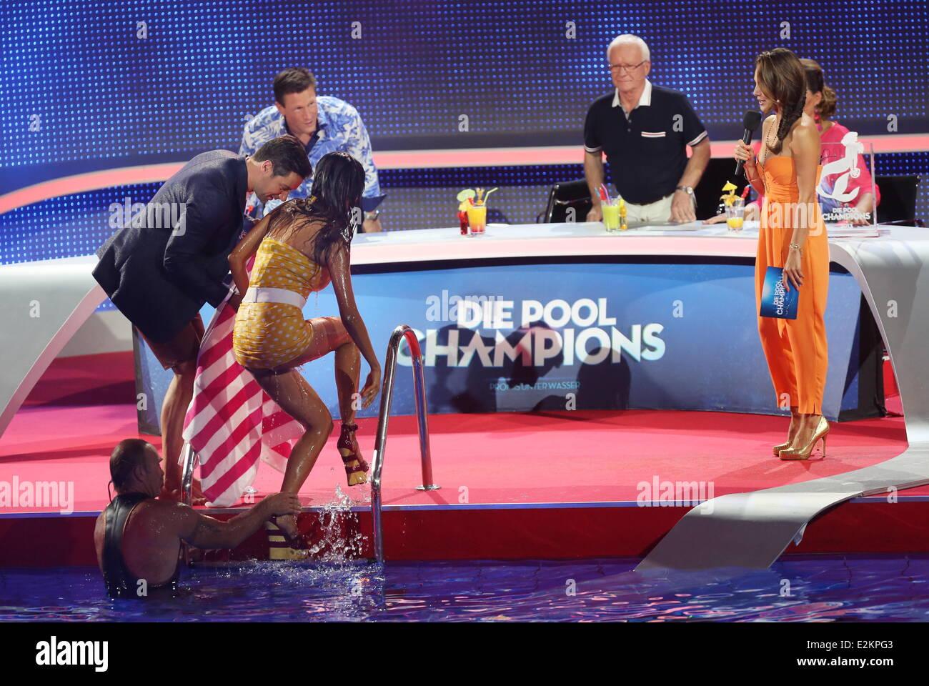 Verona Pooth On German Rtl Tv Show Stockfotos und -bilder