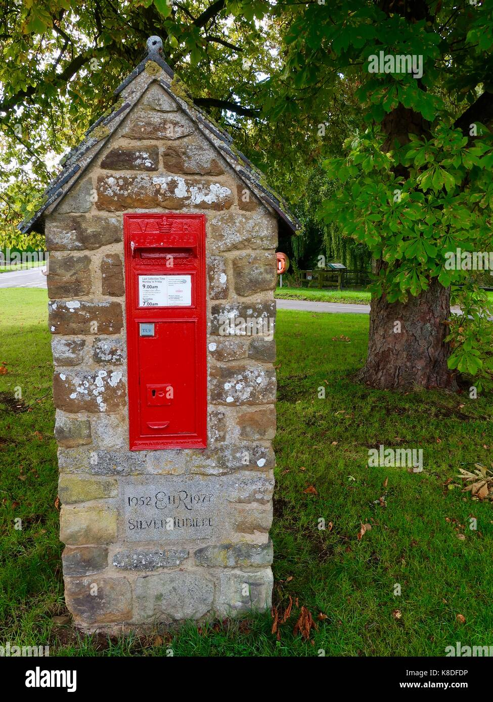 victorian-red-post-box-on-the-village-gr